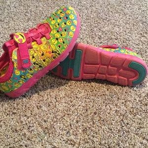 Emoji stride rite shoes